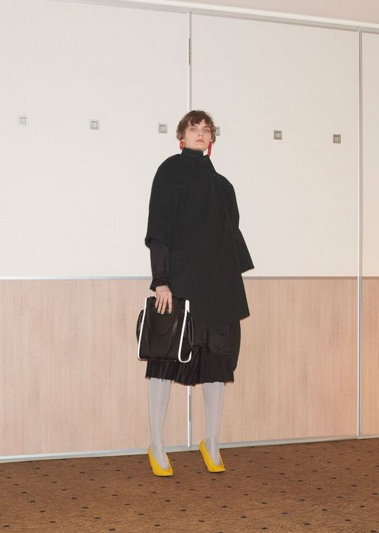 Balenciaga 巴黎世家2018早春度假女装系列